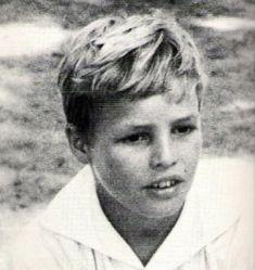 Marlon Brando,even as a young boy he was good-looking. Marlon Brando looked good even as a little boy. Marlon Brando, Hollywood Stars, Classic Hollywood, Old Hollywood, Young Celebrities, Young Actors, Celebs, Don Corleone, Childhood Photos