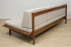 GIANFRANCO FRATTINI - Day Bed - 1940 / 1960.
