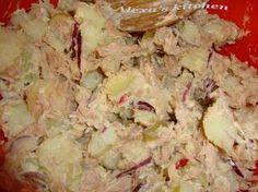 Salata cu ton si cartofi Potato Salad, Potatoes, Meat, Chicken, Ethnic Recipes, Food, Salads, Potato, Essen