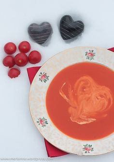 Tomatensuppe: https://merlanne.wordpress.com/2015/02/01/3561/