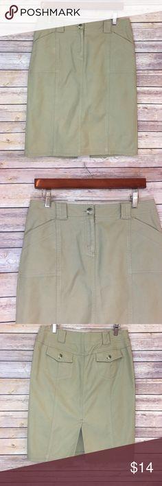 "❗CLEARANCE❗Isaac Mizrahi for Target Skirt Isaac Mizrahi for Target Cargo Style Skirt. Size 4. Length 23""/ waist 16"" hips 18"". Isaac Mizrahi Skirts"