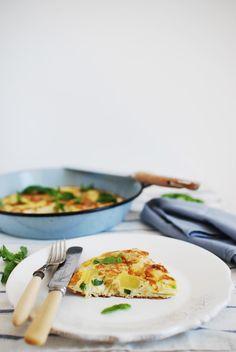 In the mood for food: Tortilha de espargos brancos, pimento verde e cebola