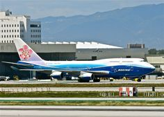 China Airlines B 747 -400 Boeing Dreamliner colors