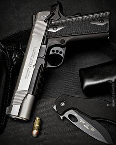 "Manufacturer: Colt Mod. Rail Gun ""100 Years Of Service"" Type - Tipo: Pistol Caliber - Calibre: 45 ACP Capacity - Capacidade: 8 Rounds Barrel length - Comp.Cano: 5 Weight - Peso: 1034..."