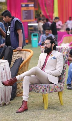 Boys Beard Style, Indian Beard Style, Beard Styles For Men, Hair And Beard Styles, Trendy Mens Fashion, Indian Men Fashion, Suit Fashion, Stylish Men, Royal Fashion