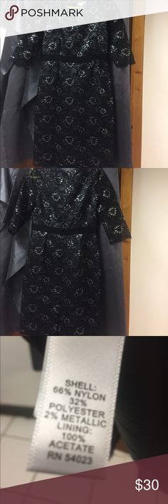 Banana Republic Lace Dress Beautiful Banana Republic Lace and Silver Dress in like new condition. No rips, stains or tears Banana Republic Dresses