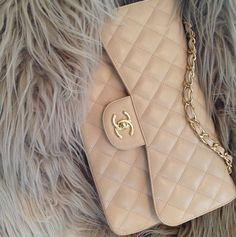 Chanel Medium Double Flap Bag in beige lambskin leather and gold hardware. Style Work, Swag Style, My Bags, Purses And Bags, Chanel Purse, Chanel Bags, Coco Chanel, Chanel Classic Flap, Beige