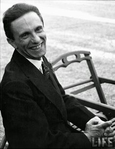 Goebbels before knowing that the photographer was Jewish.