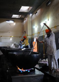 The Kitchen at the Golden Temple Feeds up to 100,000 People a Day for Free