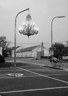 Artist Werner Reiterer creates street art by hanging a chandelier from a light post Street Art, Street Style, Street Chic, Instalation Art, Urban Intervention, Urbane Kunst, Art Plastique, Public Art, Urban Art