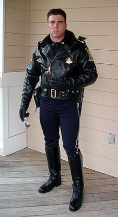 Mostly pics of cops doing their job but also hot men in uniform. Cop Uniform, Police Uniforms, Men In Uniform, Police Officer, Leather Men, Leather Jacket, Hot Cops, Military Men, Sexy Men