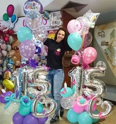 Arreglos en globos Balloons And More, Number Balloons, Birthday Goals, Birthday Gifts For Her, Birthday Delivery, Balloon Arrangements, Party Pops, Adult Halloween Party, Balloon Gift
