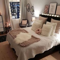 Best Way To Make Home Decor On A Budget Apartment Small Rooms Living Room . - best way to get home decor on a budget apartment small rooms living room – room - Small Living Rooms, Room Ideas Bedroom, Home Decor, Room Inspiration, Stylish Bedroom, Small Space Living Room, Stylish Bedroom Design, Small Bedroom, Cute Bedroom Ideas