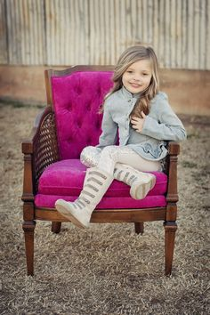 Vintage hot pink chair, family pictures, senior pictures, wedding lounge area