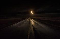 Fotografía Midnight Highway por Aaron J. Groen en 500px