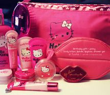 Hello kitty discovered by Barbara on We Heart It Hello Kitty Bathroom, Hello Kitty House, Hello Kitty My Melody, Pink Hello Kitty, Hello Kitty Items, Here Kitty Kitty, Hello Hello, Sanrio, Hello Kitty Makeup
