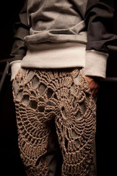 http://www.sndj.no/_collections/Rocknroll.htm men in crocheted pants