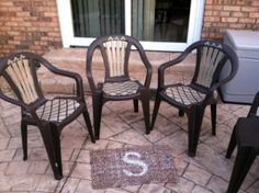 48 Ideas For Plastic Patio Furniture Makeover Plastic Garden Chairs, Plastic Patio Furniture, Patio Furniture Makeover, Outdoor Furniture Plans, Diy Furniture Projects, Furniture Design, Patio Seating, Patio Table, Painting Plastic Chairs