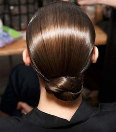 Look Simple Bun For Prom 2016