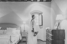 La boda de Adriana y Esteban en Palacio de Montarco. Foto Elena Bau Vestido de Sole Alonso #wedding #bride