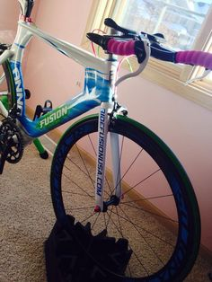 RideFusionUSA.com Anna's Fusion #Triathlon #Bike with matching Reynolds wheels.