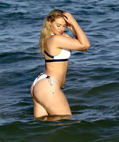 Pin for Later: Model Iskra Lawrence Flaunts Her Curves During a Beach Day in Miami