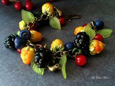 Bracelet with cloudberries, Bracelet with blackberries, Berry bracelet, Fruit bracelet, Polymer clay jewelry, Blueberry Bracelet