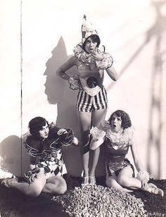 vintage clowns.