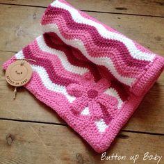 Crochet baby blanket, flower blanket, chevron blanket, baby shower gift, pram blanket, stroller blanket, receiving blanket, baby girl