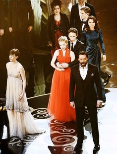 Les Mis casts at the Oscars 2013! I was squealing with excitement when I saw this!
