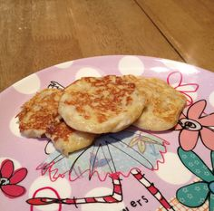 Souper-baby snack time - banana pancakes