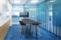 TNO Helmond – Automotive Campus by Hollandse Nieuwe - Office meeting space Office Meeting, Bar Stools, Conference Room, Space, Table, Furniture, Home Decor, Bar Stool Sports, Floor Space