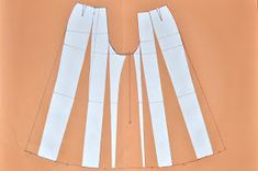 As promised, I& finally going to show you how I altered my basic pants pattern to make these inspired palazzo-pants. Plus Size Sewing Patterns, Clothing Patterns, Plazzo Pants Pattern, Pallazo Pants, Pants Tutorial, Modele Hijab, Palazzo Trousers, Pattern Cutting, Pattern Making