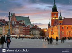 Download this stock image: Plac Zamkowy, Warszawa, Poland - JBFDH1 from Alamy's library of millions of high resolution stock photos, illustrations and vectors.