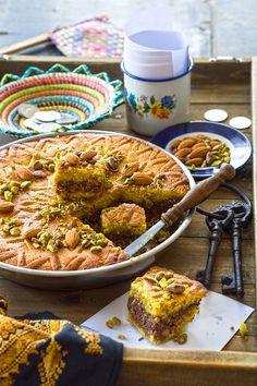 Dahdah (semolina, coconut, cinnamon and nut bars) – Chef in disguise Arabic Dessert, Arabic Sweets, Arabic Food, Lebanese Desserts, Lebanese Recipes, Greek Recipes, Middle Eastern Desserts, Middle Eastern Dishes, Dessert Arabe