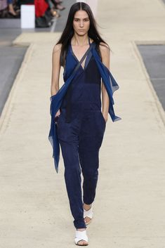 Chloé Spring 2014 Ready-to-Wear Fashion Show Collection