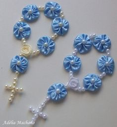 Denim Earrings, Beaded Earrings, Diy Jewelry, Jewelry Making, Baby Shower Souvenirs, Catholic Crafts, Free Machine Embroidery Designs, Ribbon Work, Button Art