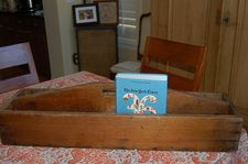 you cant ever have too many antique tool boxes or vintage drawers around!  authenticartisans.weebly.com