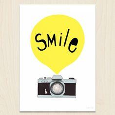 Smile  Kerry Layton e suo marito da qualche anno si dedicano alla creazione di stampe, popolate da strambi animali e forme geometriche addolcite da mille tonalità diverse. La tua finestra su un mondo fantastico da appendere dove vuoi. http://www.shoppable.it/shopping/the-seventy-tree.html