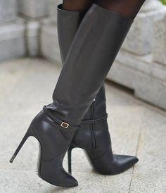 Dove si possono comprare   ormai fuori produzione ..... Stivali Alti Di.  Stivali Alti Di CosciaStivali Tacco AltoStivali Con TaccoTacchi A  SpilloScarpe ... 577066c632a