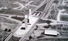 Torres de Satélite Mathias Goeritz