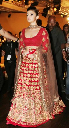 Humpty Sharma Ki Dulhania actress Alia Bhatt and Daawat-e-Ishq actor Aditya Roy Kapur were showstoppers at designer Manish Malhotra s show for the India Couture Week held at the Taj Palace in New Delhi Indian Bridal Wear, Indian Wear, Indian Dresses, Indian Outfits, Manish Malhotra, Desi Clothes, Lehenga Designs, Indian Couture, Asian Fashion