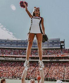 Cheerleading Stunts, Cheerleading Cheers, College Cheerleading, Cheer Picture Poses, Cheer Poses, Cheer Shirts, Handstand, Cheer Flyer, Cheer Team Pictures