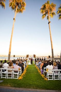 Beach Weddings Ceremony On Mission Bay At The Catamaran Resort Hotel And Spa In San Go