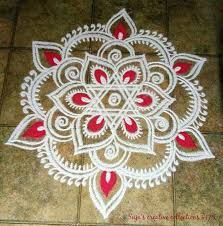 Explore latest easy rangoli design image ideas collection for Diwali. Here are amazing simple rangoli designs to decorate your home this festive season. Easy Rangoli Designs Diwali, Indian Rangoli Designs, Rangoli Designs Latest, Rangoli Designs Flower, Free Hand Rangoli Design, Rangoli Border Designs, Small Rangoli Design, Rangoli Patterns, Rangoli Ideas