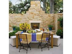 Old-World Dining Courtyard - Home and Garden Design Ideas
