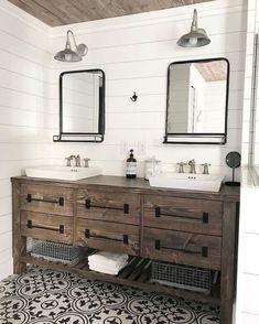Amazing DIY Bathroom Ideas, Bathroom Decor, Bathroom Remodel and Bathroom Projects to assist inspire your master bathroom dreams and goals. Diy Bathroom Remodel, Bathroom Renovations, Bathroom Interior, Bathroom Ideas, Bathroom Makeovers, Bathroom Organization, Bathroom Mirrors, Master Bathrooms, Bathroom Cabinets