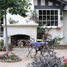 Outdoor Living Rooms - Design Chic