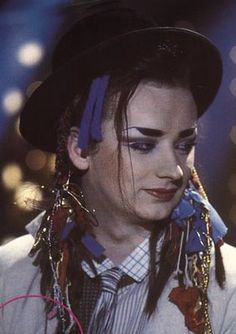 Boy George with Culture Club ! Personally I thought it sucked that me and Boy George couldn't get married:) Boy George, Culture Club, Pop Culture, New Wave Music, The Wedding Singer, New Romantics, Stars Then And Now, Music People, Boy Photos
