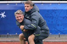 Basti giving Thomas a ride - Die Mannschaft - Euro 2016
